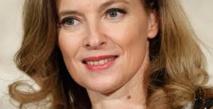 """L'ex-Première dame française dévoile ses """"années enchantées"""" avec Hollande"""