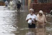 Les pluies de mousson font plus de 300 morts