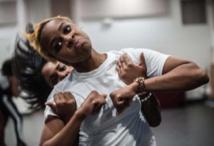 Le stepping, danse emblématique de l'identité noire, secoue le monde de la mode