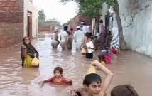 Colère contre la lenteur des secours  après les inondations en Inde et Pakistan