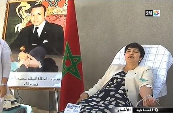 La wali de Kénitra donne son sang et convoque la télévision