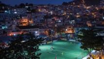 Le premier terrain de foot au monde illuminé par les joueurs