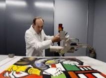 Des limiers scientifiques  traquent les faux tableaux