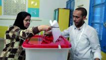 Les Tunisiens aux urnes pour des législatives cruciales