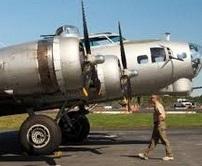 Des B-17 volent en souvenirs de la Seconde Guerre mondiale