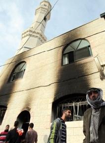 Une mosquée incendiée par des colons israéliens en Cisjordanie