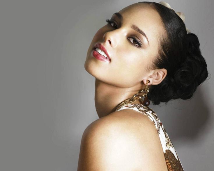 Les stars : bosse des maths ou bonnet d'âne ? Alicia Keys