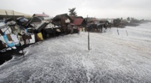 Au moins 21 morts dans le typhon des Philippines