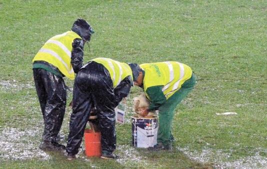 Après le scandale du Mondial des clubs l'opinion publique réclame des comptes