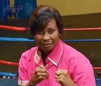 A Kinshasa, l'ancienne boxeuse arbitre aujourd'hui des combats d'hommes
