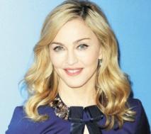 Après des fuites sur internet, Madonna publie six nouveaux titres