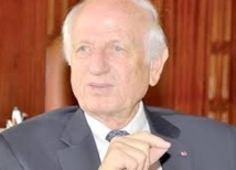 André Azoulay reçoit le Prix Nord-Sud