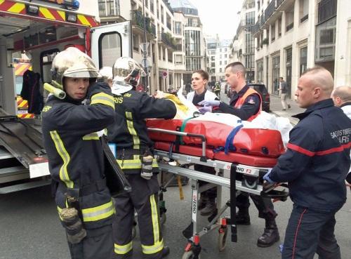 La barbarie frappe en plein Paris
