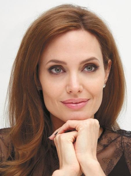Les stars qui ont vaincu le cancer : Angelina Jolie