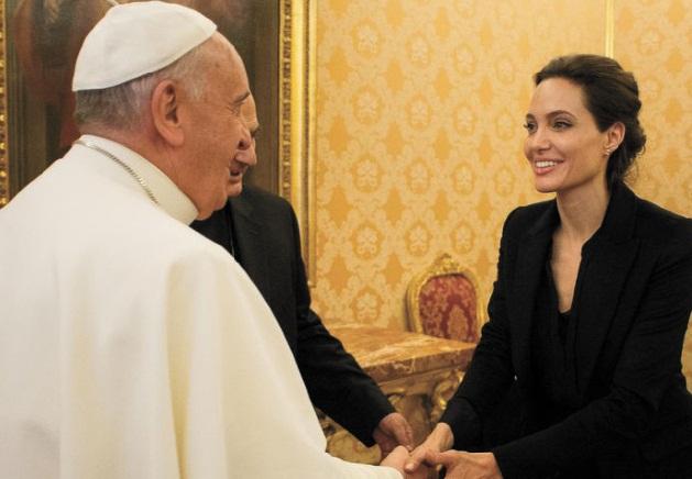 Jolie et le pape : la rencontre