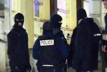 Coups de filet antiterroriste en Europe au lendemain d'un attentat déjoué en Belgique