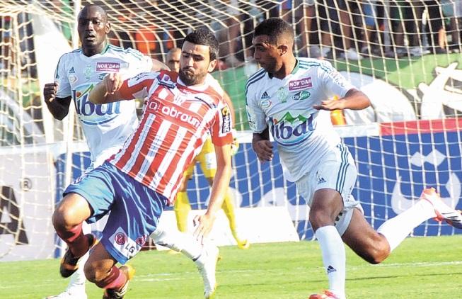 Le WAC joue sa couronne à Kénitra, le Raja à l'affût face au MAT