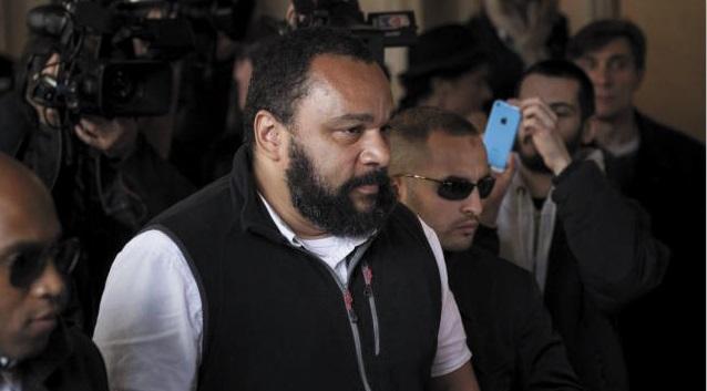 Dieudonné annonce sa retraite et se marre pendant son procès