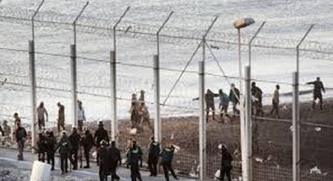 L'Europe ferme les yeux sur les atteintes aux droits de l'Homme des migrants irréguliers