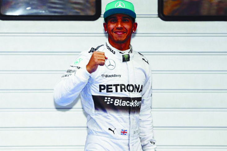 Top 20 des sportifs les mieux payés en 2014  : Lewis Hamilton Royaume-Uni (course automobile)