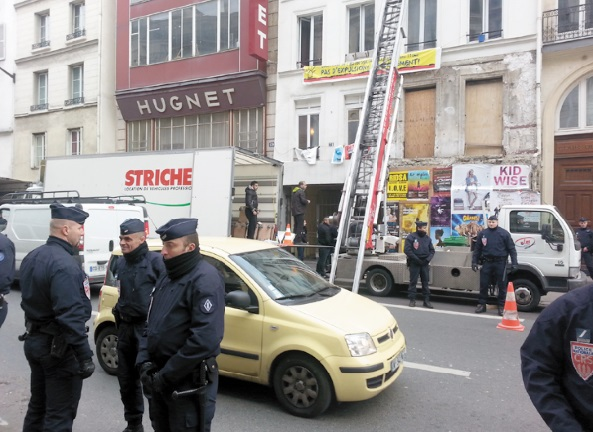 Polémique sur l'expulsion  de Chibanis d'un hôtel parisien