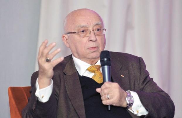 Gabriel Banon au Café littéraire. L'auteur a été conseiller économique de George Bush père, de Georges Pompidou, et même de Vladimir Poutine, mais aussi proche, durant une décennie, de Yasser Arafat.