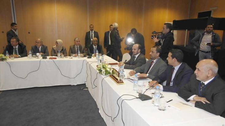 Alger et Le Caire se donnent la main pour mettre des bâtons dans les roues des négociations inter-libyennes de Skhirat