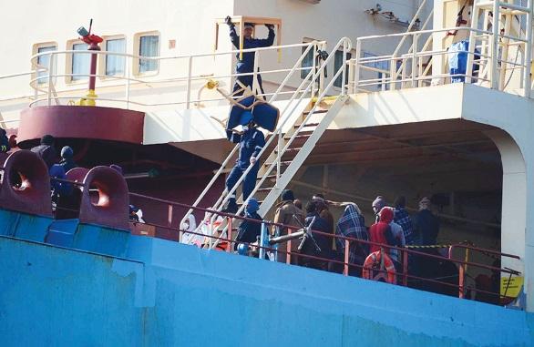 Naufrage d'une embarcation de migrants au large de la Libye