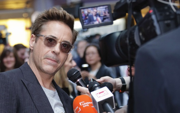 ​Agacé, Robert Downey quitte une interview