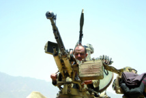Combats meurtriers  à la frontière saoudienne et raids aériens sur Aden