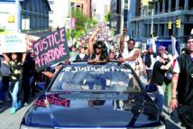 Des centaines de manifestants dans la rue malgré le couvre-feu à Baltimore