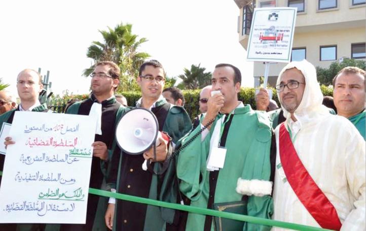 Nouveaux sit-in contre Mustapha Ramid