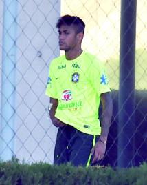 Neymar abandonne à nouveau le Brésil