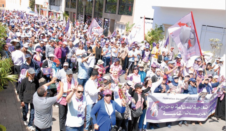 Le ministre de la Justice double la mise pour réprimer le droit de grève