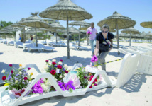 Les touristes quittent  la Tunisie par milliers