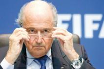 Le président de la FIFA limite ses déplacements tant que tout n'est pas clarifié