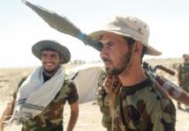 Les forces gouvernementales irakiennes bombardent l'EI autour de Ramadi