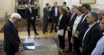 Les banques grecques rouvrent avec des  restrictions financières