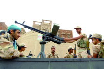 """Les loyalistes yéménites revendiquent des """"succès"""" contre les rebelles dans la région d'Aden"""