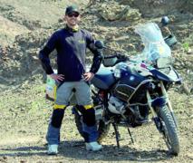 Un jeune Marocain sillonne l'Europe à moto pour la bonne cause