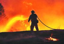 Des incendies  toujours incontrôlables en Californie