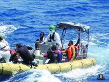 Les survivants du  naufrage en Méditerranée arrivent à Palerme