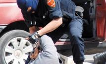Une fille trouve la mort dans une tentative d'agression d'un policier