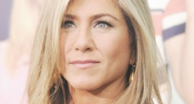 Jennifer Aniston fait affaire avec la compagnie Emirates Airlines