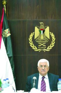 Mahmoud Abbas démissionne de la direction  de l'OLP pour provoquer une élection interne