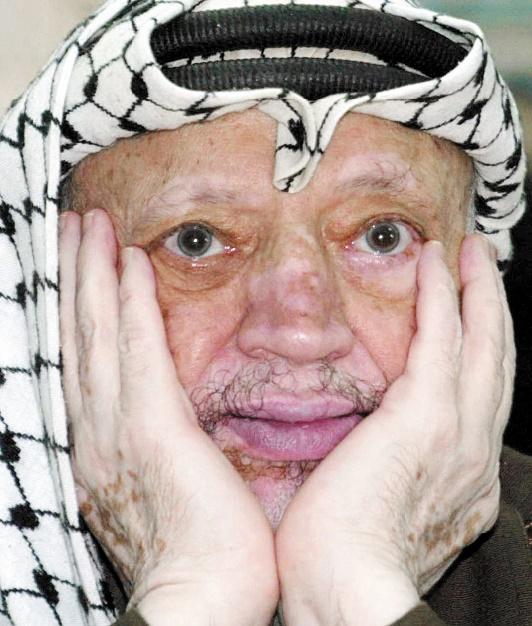 """Les juges français rendent un non-lieu dans l'enquête pour """"assassinat"""" après la mort de Yasser Arafat"""