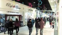 Les jeunes Algériens se libèrent dans les centres commerciaux