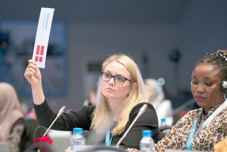 Mettre fin à toutes les formes de discrimination et de stigmatisation à l'égard des jeunes filles