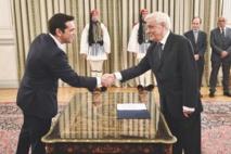 Alexis Tsipras reconduit compte va plancher sur l'économie et la crise