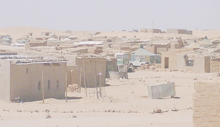Colère incontrôlable dans les camps de la honte : La direction fantoche contrainte de fuir Tindouf pour fêter l'Aïd
